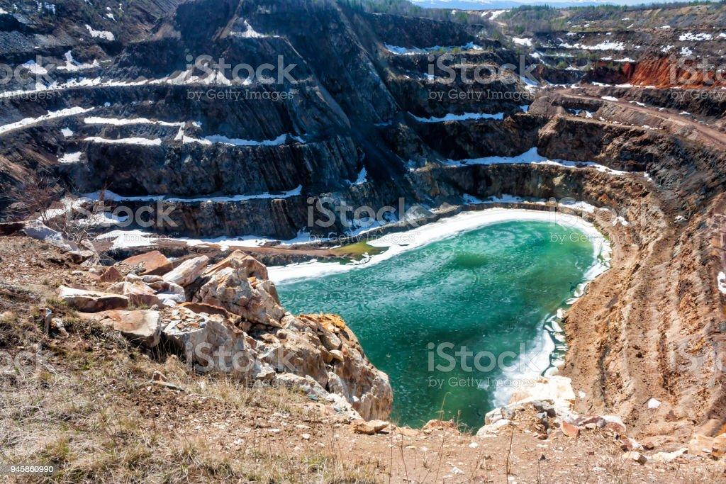Deep flooded quarry стоковое фото