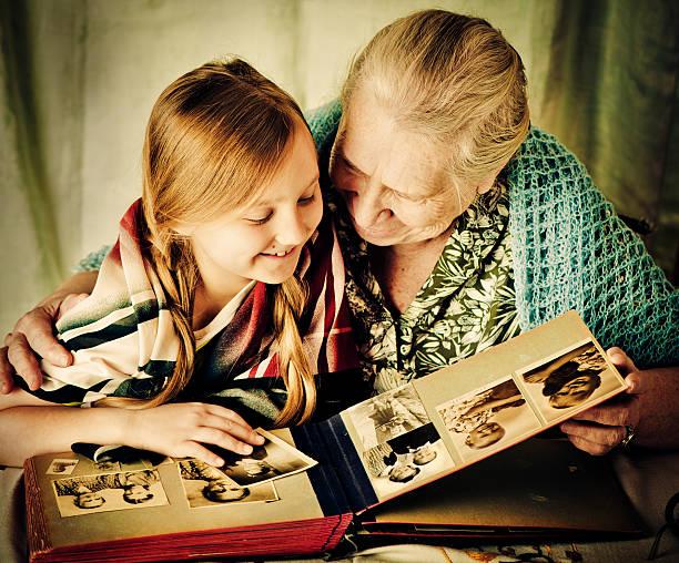 avoir de souvenirs - arbre généalogique photos et images de collection