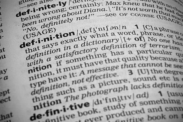 definition in dictionary - woordenboek stockfoto's en -beelden
