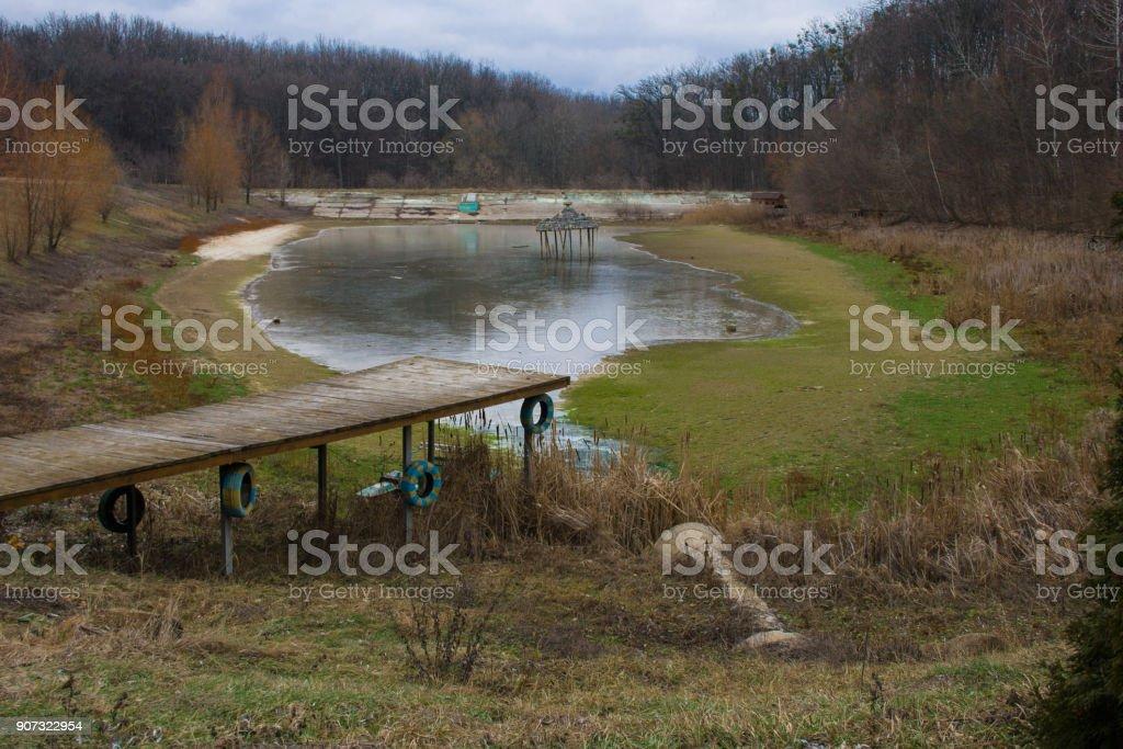 Deflateras torkade sjö bildbanksfoto
