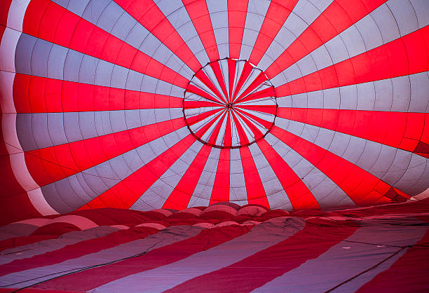 platt hot air balloon - wärmeplatte stock-fotos und bilder