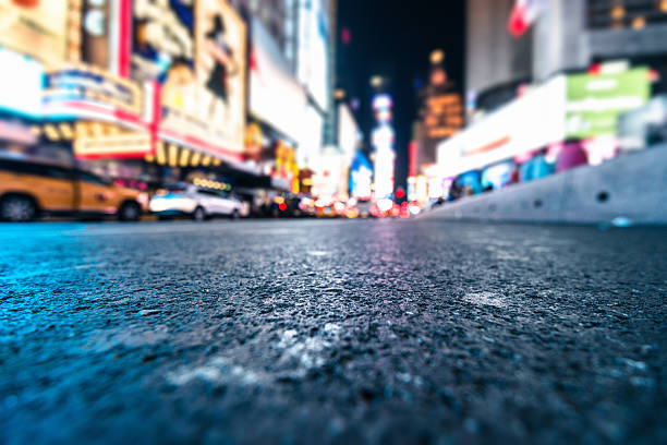 defocus lights on times square manhattan - grodperspektiv bildbanksfoton och bilder