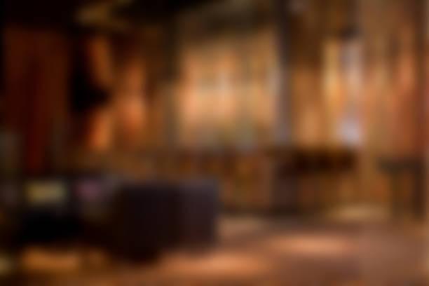 bar restaurant nachtclub inneren hintergrund unscharf gestellt - club sofa stock-fotos und bilder
