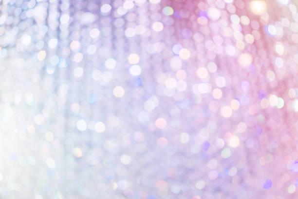 defocused chandelier lights background - żyrandol sprzęt oświetleniowy zdjęcia i obrazy z banku zdjęć