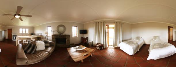 360 graders vy av vardagsrum inredning och kök bildbanksfoto