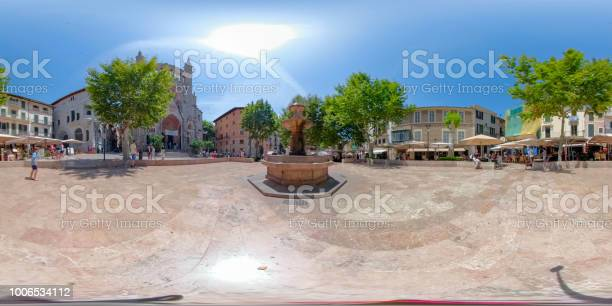Degree virtual reality view of center the plaa constituci in sller picture id1006534112?b=1&k=6&m=1006534112&s=612x612&h=v5m u kg4yixaeodm7qtd2toddcsag57kddlzo wpb8=