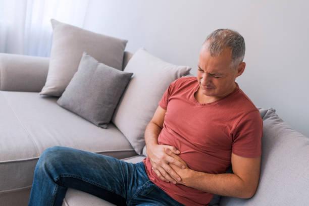 Déshydratation a souvent un rôle dans l'estomac et douleurs abdominales - Photo
