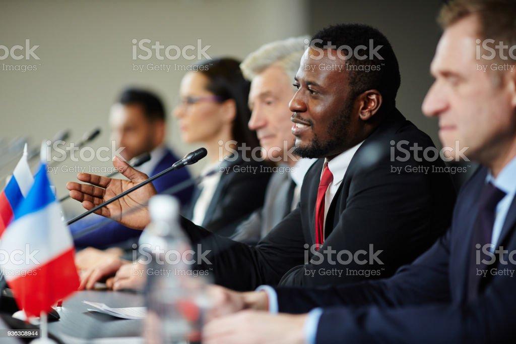 Delegados en la Conferencia - foto de stock