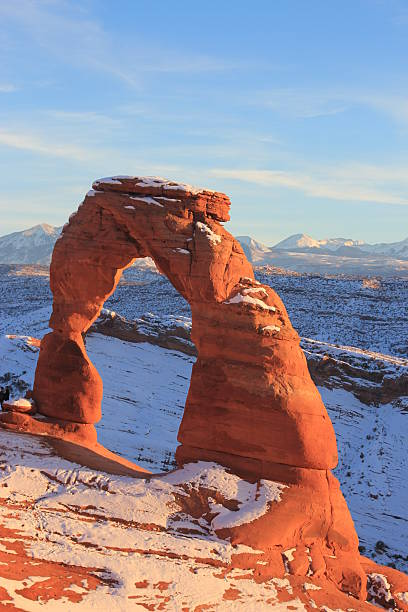 Delicate Arch in winter delicate arch stock pictures, royalty-free photos & images