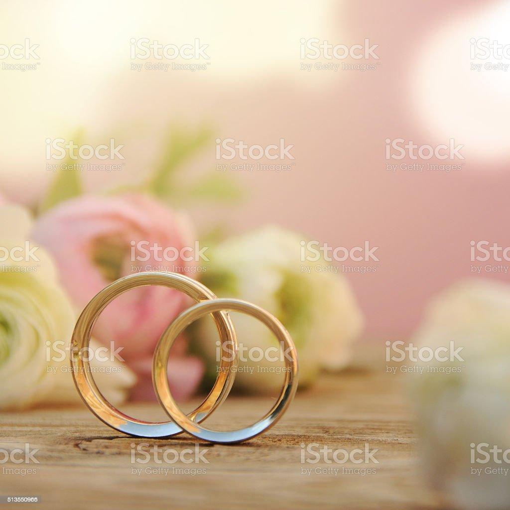 Anniversario Matrimonio Sfondi.Delicato Matrimonio Sfondo Con Anelli E Ranuncolo Oscillante