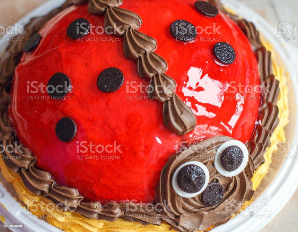 Kostliche Baby Kuchen In Der Form Von Marienkafer Stock Fotografie
