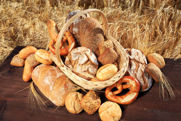 leckeres brotsortiment leckeres brotsortiment vielfalt stock pictures, royalty-free photos & images