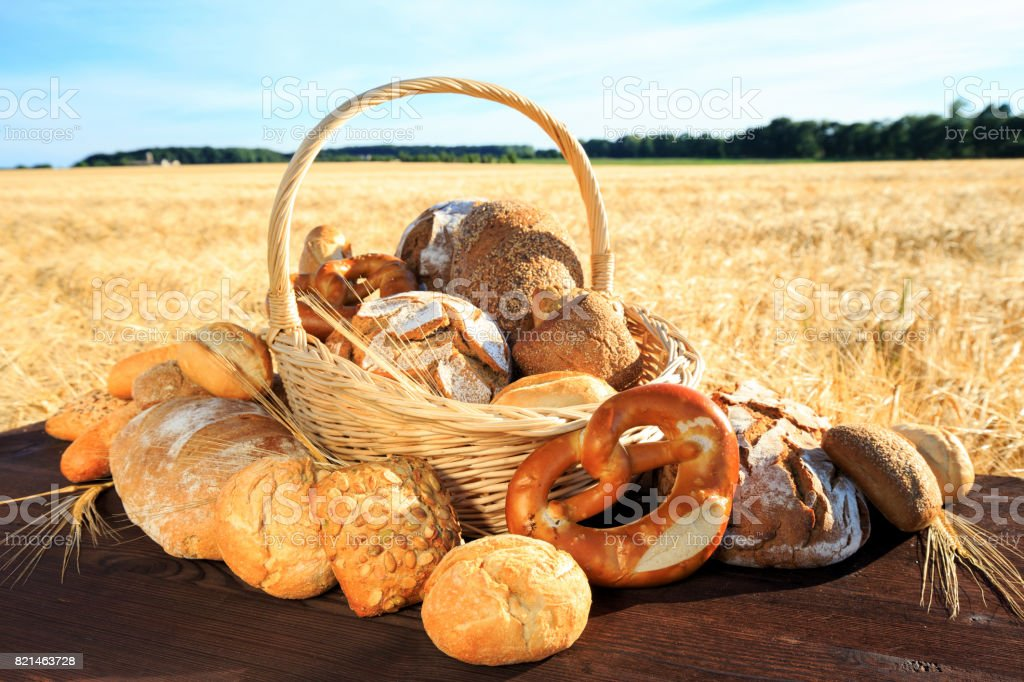 leckeres brotsortiment stock photo