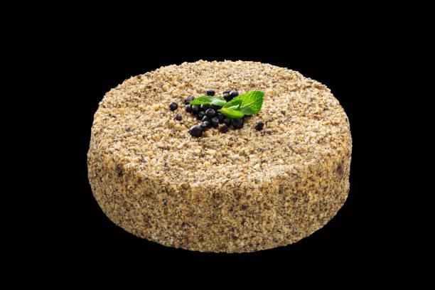 leckeren kuchen weiße schokolade dekoriert mit weißen herzen - regenbogen käsekuchen stock-fotos und bilder