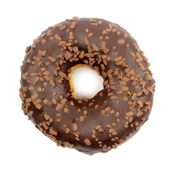 köstliche schokoladen donut - löcherkuchen stock-fotos und bilder