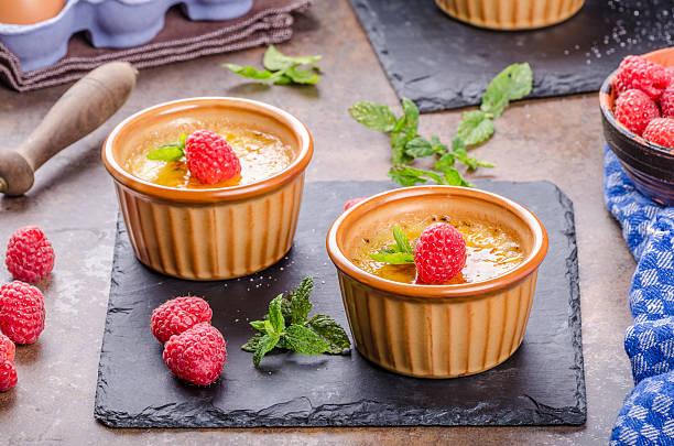 Deliciosos crème brulee - foto de stock