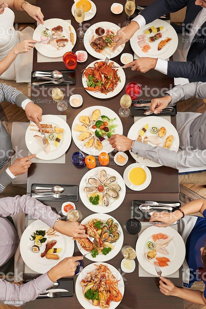Deliciosa cena - foto de stock