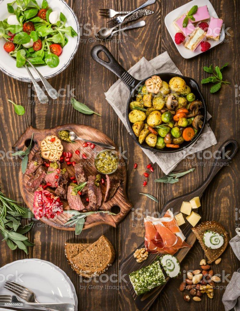 Heerlijke diner tabel foto
