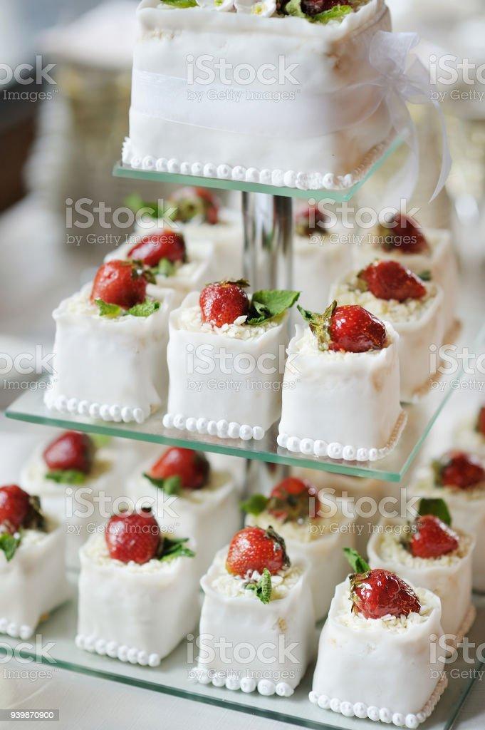Kostliche Torte Hochzeit Cupcakes Gemacht Stockfoto Und Mehr Bilder