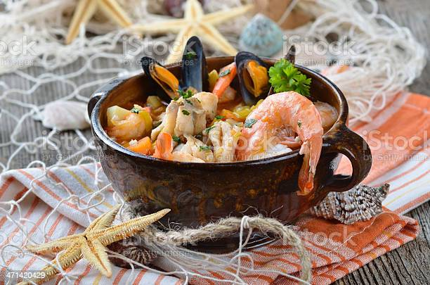 Deliciosos Sopa De Pescado Foto de stock y más banco de imágenes de Alimento