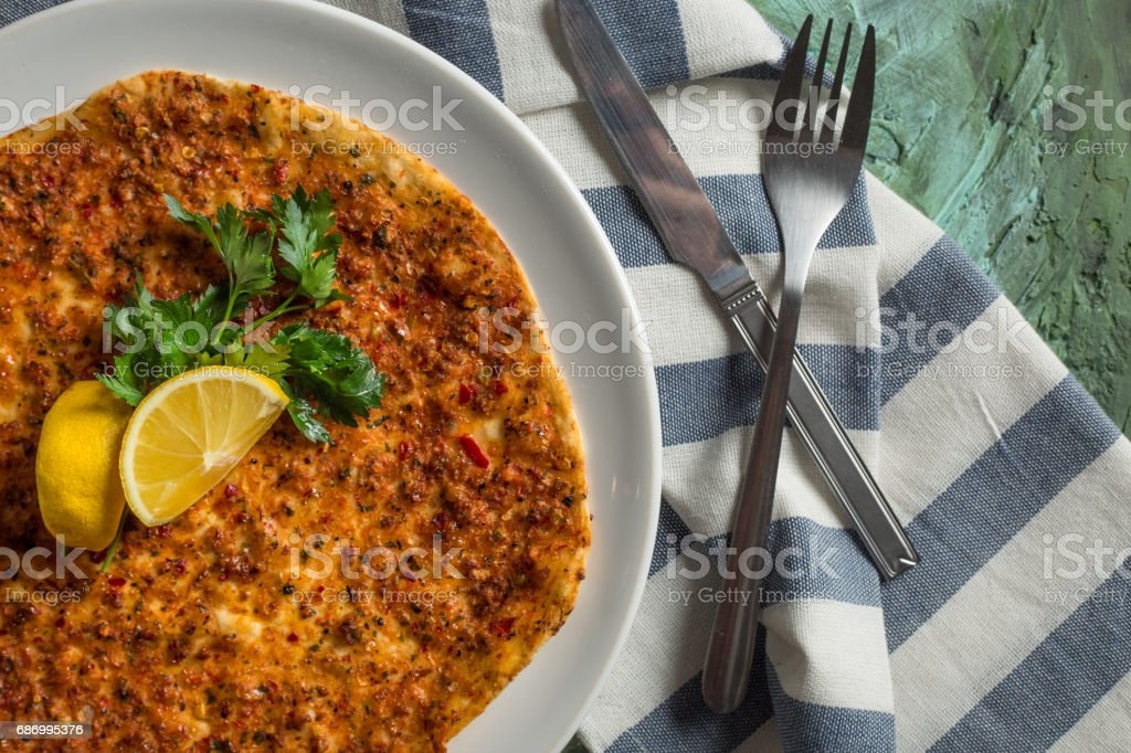 Delicious Food Lahmacun -Pita - Pizza Lizenzfreies stock-foto