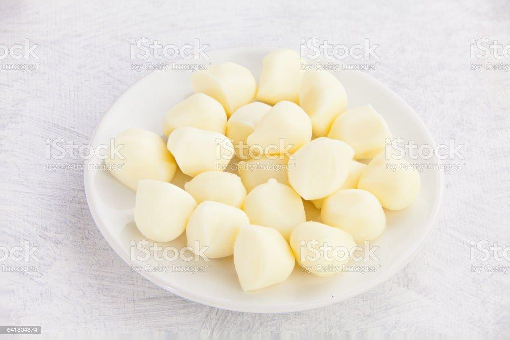 deliciosa mussarela fresca na chapa branca - foto de acervo