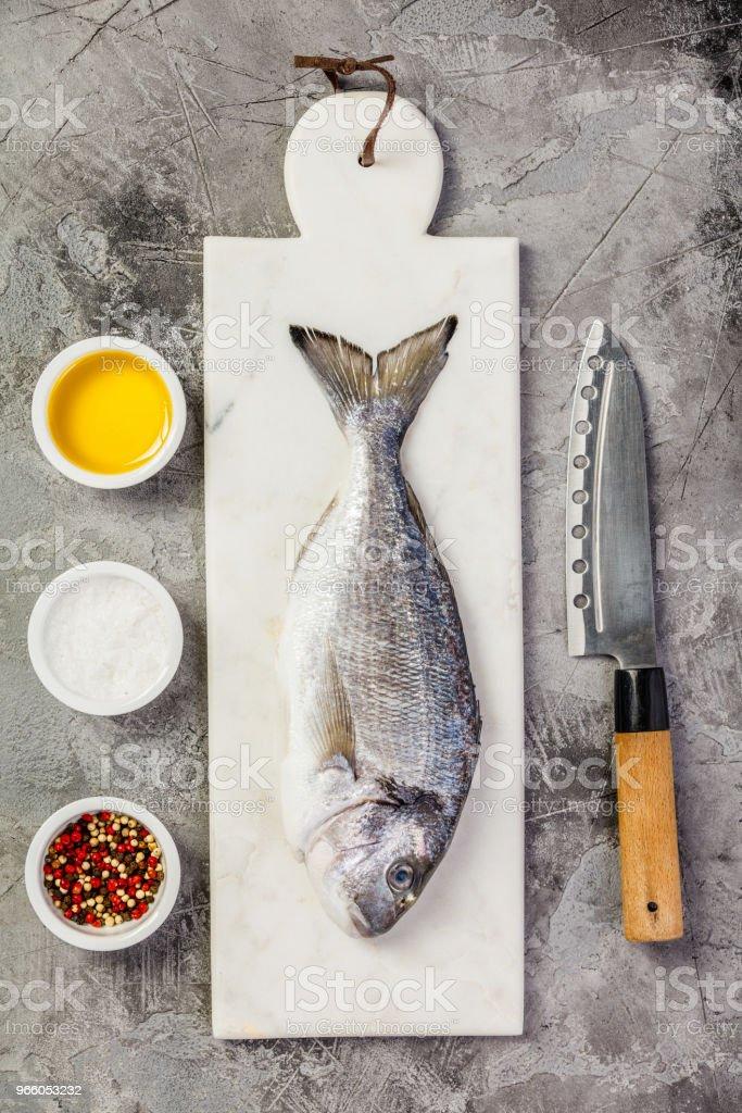 Läckra färsk havsruda fisk - Royaltyfri Belgien Bildbanksbilder