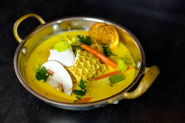 köstliche gourmet-speisen - innereien stock-fotos und bilder
