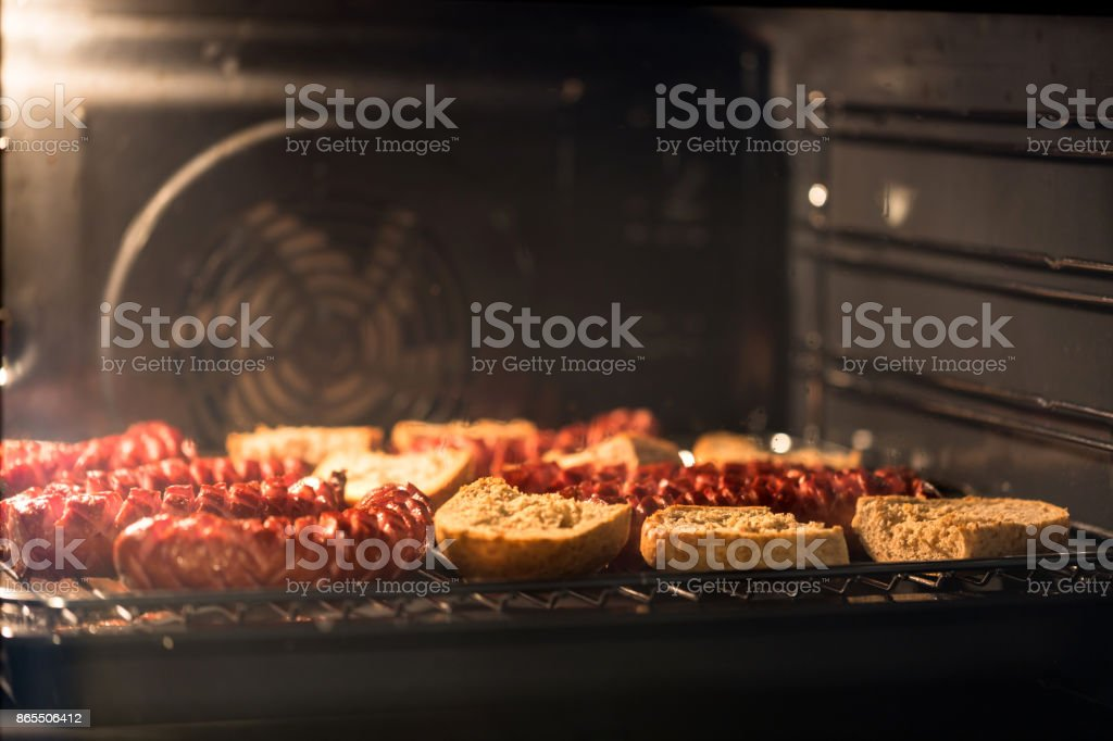 Photo Libre De Droit De Délicieuses Saucisses Maison Avec