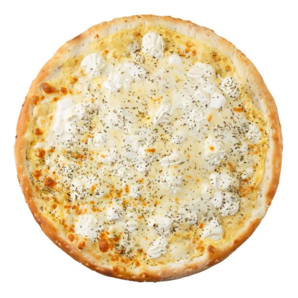 heerlijke hete italiaanse pizza met verschillende soorten kaas en room - dikke pizza close up stockfoto's en -beelden