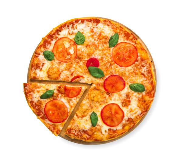 leckere pizza mit tomaten und mozarella-margherita - low carb pizzateig stock-fotos und bilder