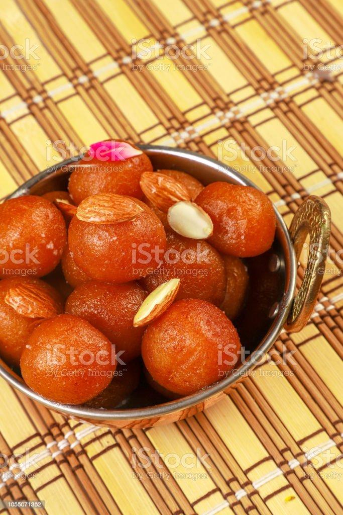 Kostliche Traditionelle Indische Susse Gulab Jamun In Schussel Auf