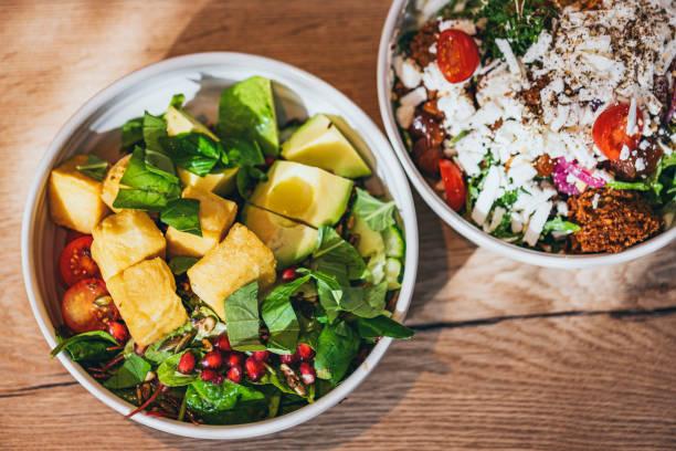 Leckere vegane, glutenfreie Schalen – Foto