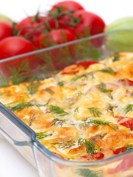 köstlichen gemüse gratin - fenchel überbacken stock-fotos und bilder