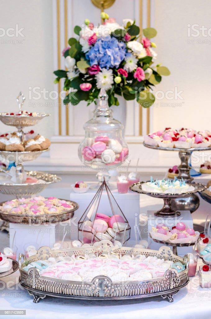 Kostliche Hochzeit Empfang Candy Bar Desserttisch Voll Mit Kuchen