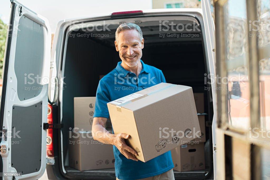 Lieferung Mann Betrieb Paket – Foto