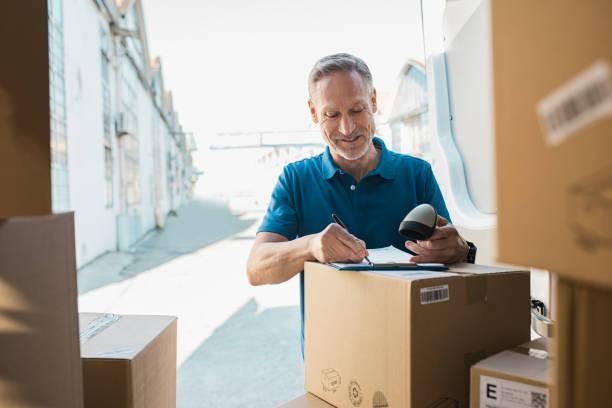 배달 사람 업데이트 검사 목록 - postal worker 뉴스 사진 이미지