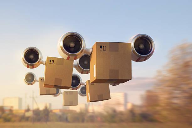 La entrega de un gran número de mercancías por aire - foto de stock