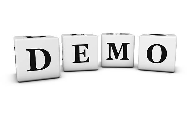 demo sign 3d cubes - kostenlose onlinespiele stock-fotos und bilder