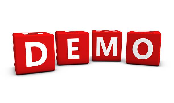 demo sign on red cubes - kostenlose webseite stock-fotos und bilder