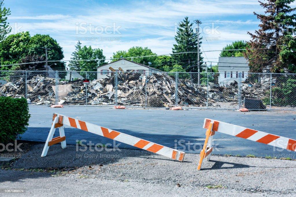 Abgerissenen Rubble Piles nach Geschäftshaus Retail Brand – Foto