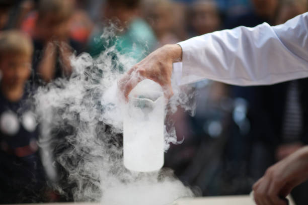 Die chemische Reaktion demonstrieren – Foto