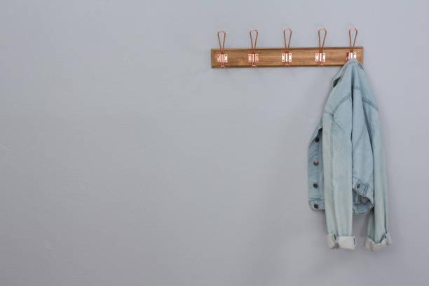牛仔夾克掛鉤 - 外套 個照片及圖片檔