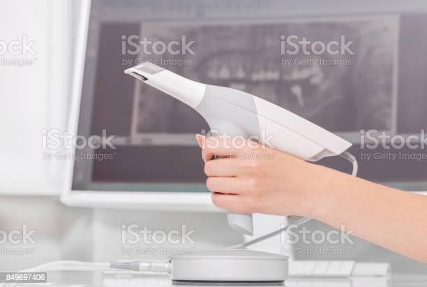 Dental 3d Scanner Und Monitor In Der Zahnarztpraxis Stockfoto und mehr Bilder von Ausrüstung und Geräte