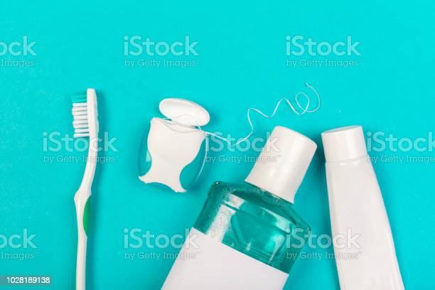 Zahnpflegeprodukte Stockfoto und mehr Bilder von Zahnseide
