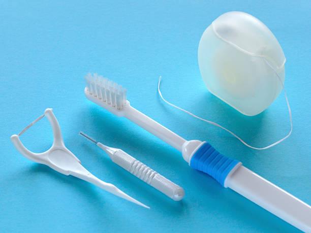 itens de dentista - escova interdental - fotografias e filmes do acervo