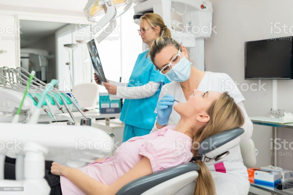 Zahnbehandlung in Klinik – Foto