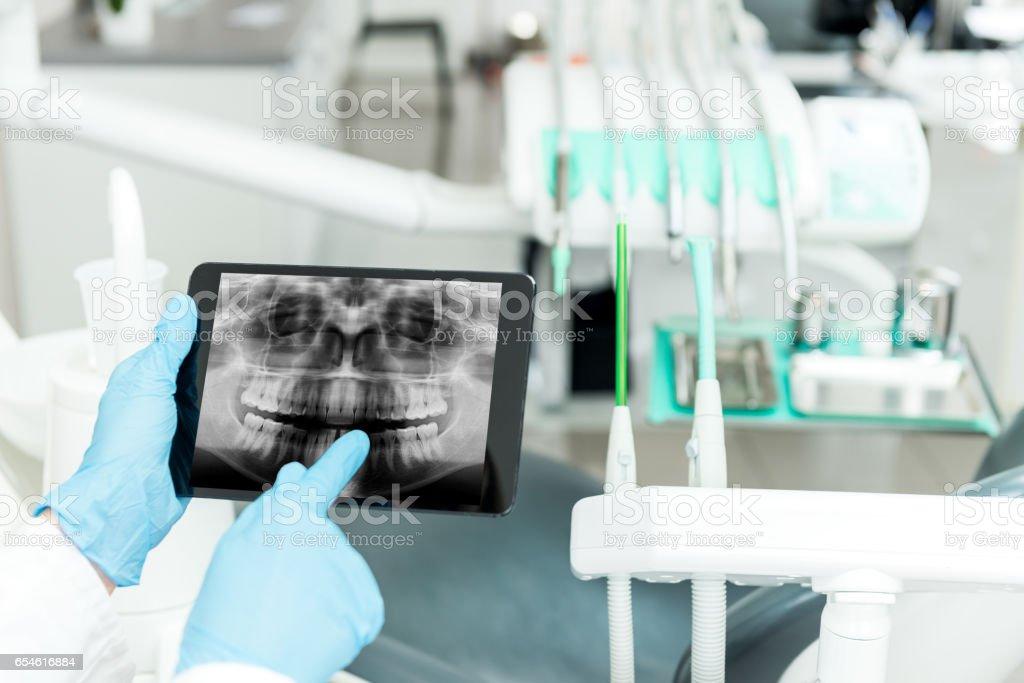 Dental Funkspruch auf tablet – Foto