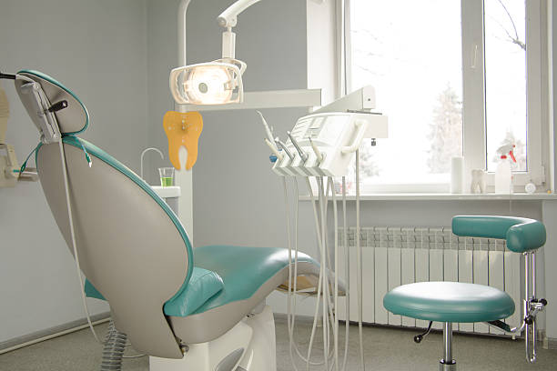 Zahnarzt Büro. Punkt Blick auf Patienten im Ruhesessel. – Foto