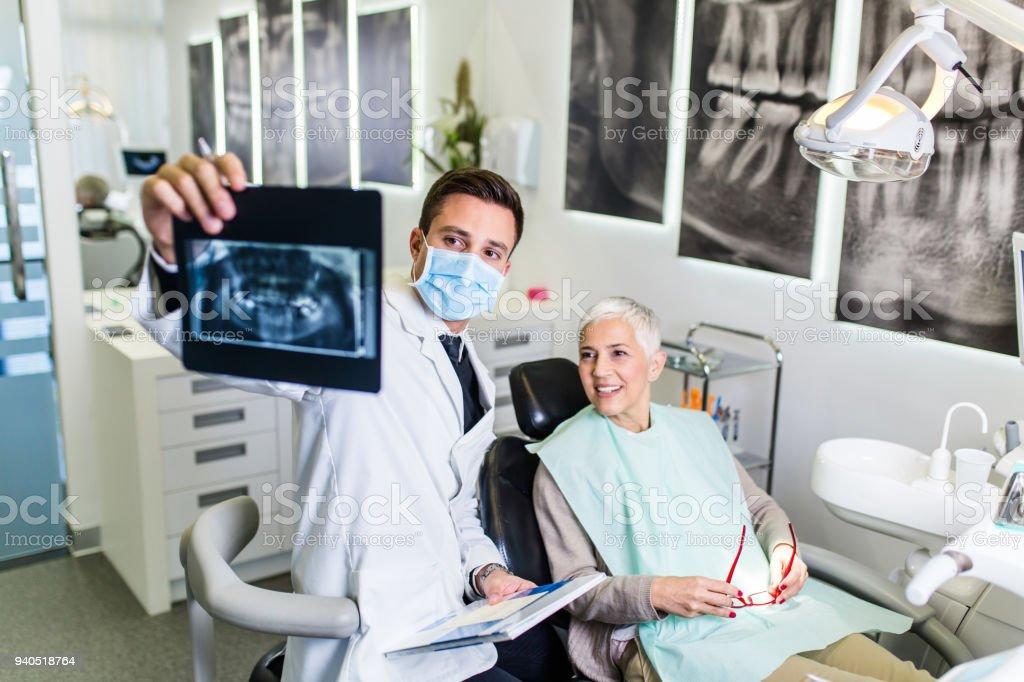 Dentista trabajo - foto de stock